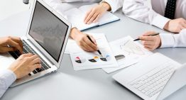 What are the perks of outsourcing accounting services?
