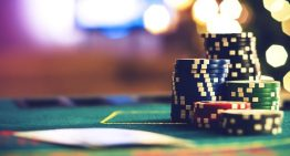 7 Beneficial Tricks for Playing Poker