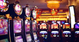 What is online slot gaming?